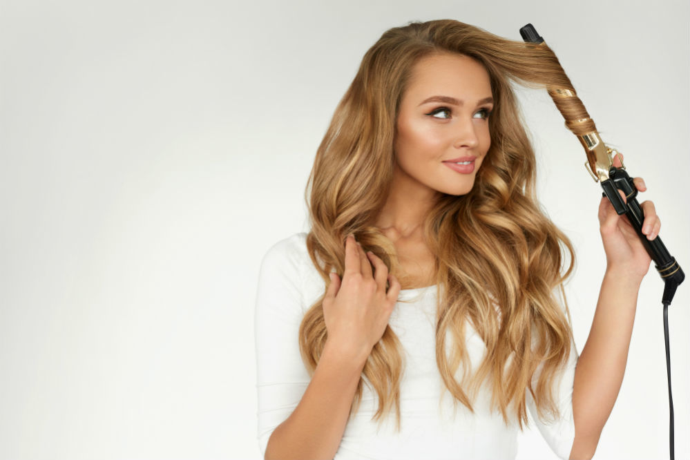How to Curl Long Hair: A Step-by-Step Guide to Achieving the Perfect ...